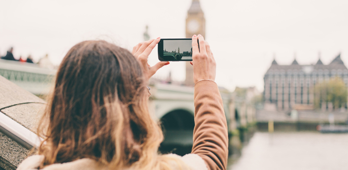 Taking a picture of Big Ben